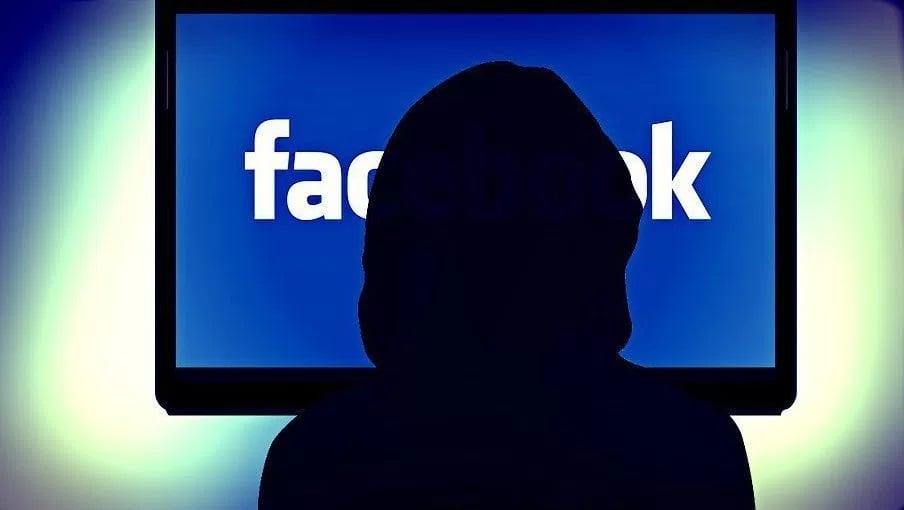 terorismul pe facebook
